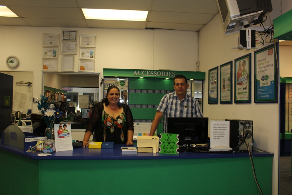 Yolanda and Jaco welcoming you in the store