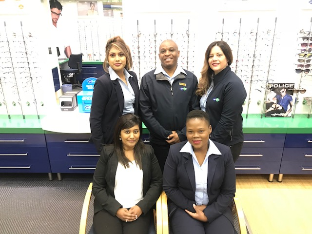 At the back from left to right:  Rowena Pillay, Philemon Sebopa, Annette Linden At the front from left to right:  Michelle Chetty and Maria Skhosana