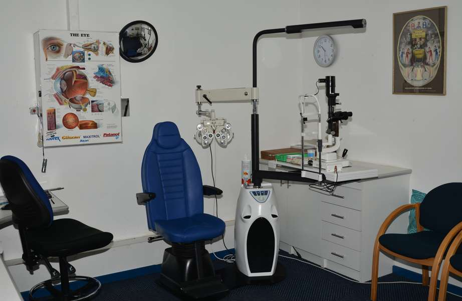 We boast 2 fully equipped Testing Rooms where you are examined after the per-tests are done