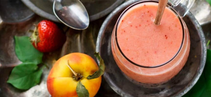Super Simple Strawberry Peach Smoothie
